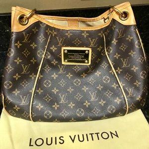 Louis Vuitton Galleria PM shoulder bag